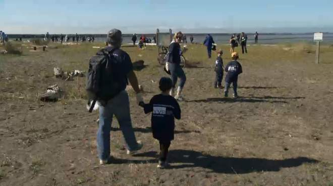 Canadian-beach-cleanup-GlobalNewsVid