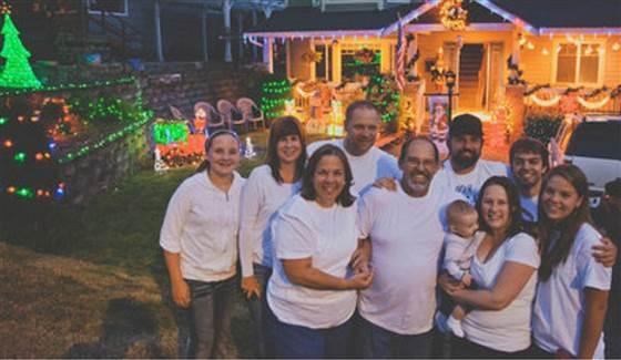 Henderson-family-Christmas-EvanBurgher