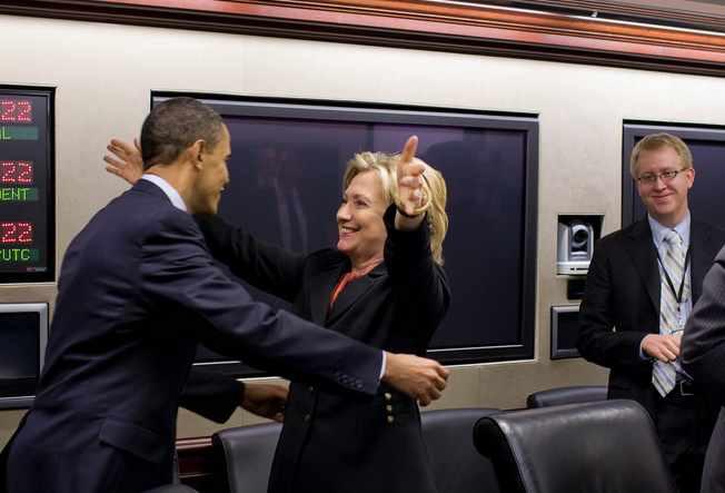 Hillary-hugs-Obama-WHPhoto