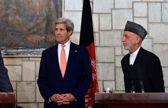 John-Kerry-w-Afghan-Pres-Hamid_Karzai