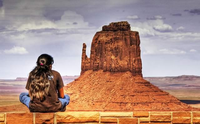 Navaho-girl-Wolfgang_Staudt-CC