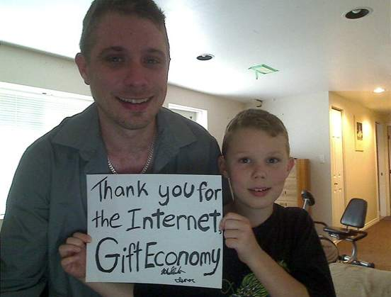 Thank-you-for-the-internet-gift-economy-sign-MikeSlemko