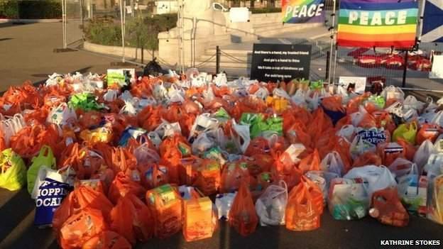 food-bags-at-peace-rally-Glasgow-Katherine_Stokes-via-BBC