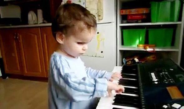 Branko-Dvorecky-mozart-keyboard-526928