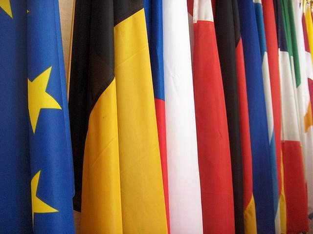 EU-flags-CC-tristam sparks
