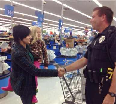 UPDATED: Instead of Issuing a Ticket, Michigan Cop Buys Car Seat ...