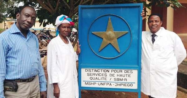 Guinea-doctors-WHOphoto-by-T_Jasarevi