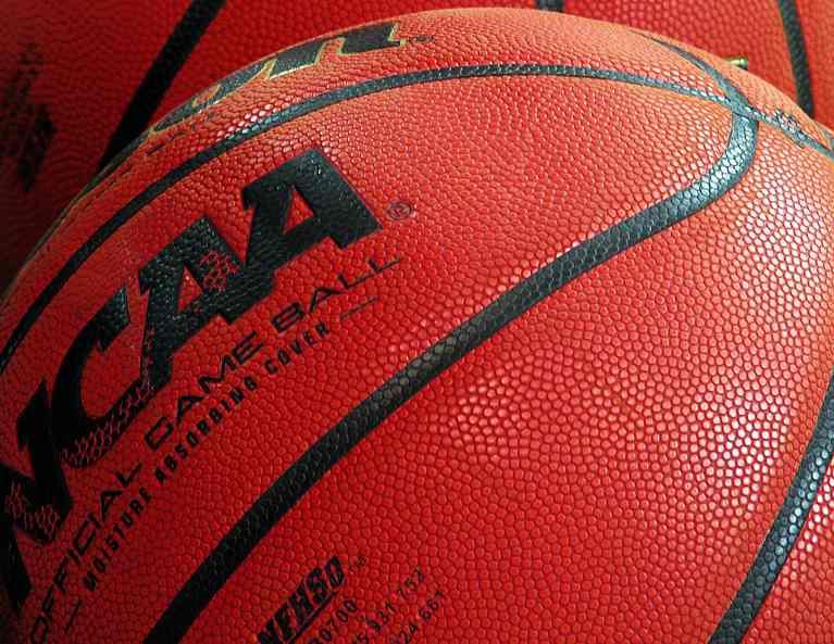 NCAA-basketball-CC-RogerSmith-700px