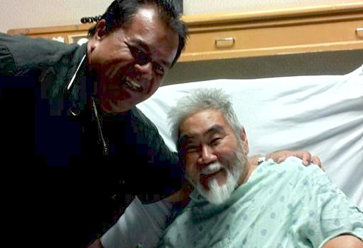 Robert Helsham visits Sam Kong in hospital-personal-photo