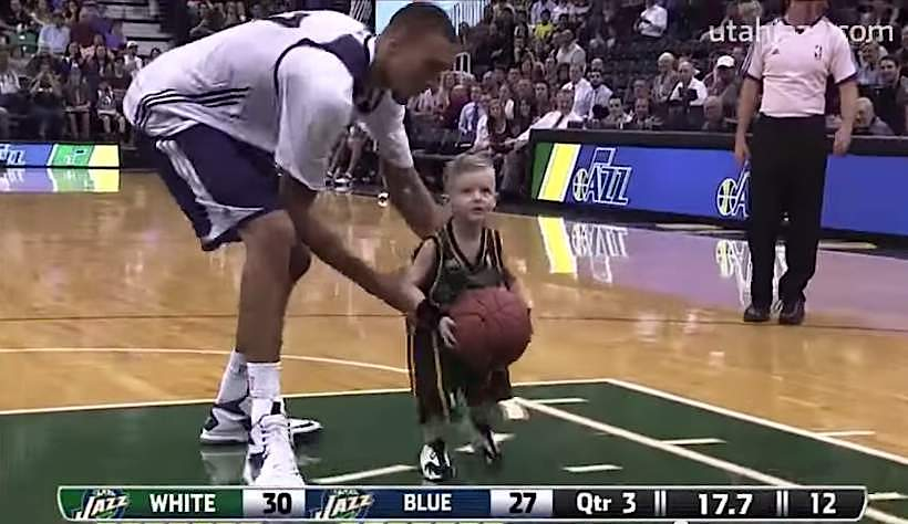 Utah-Jazz-video-grab-5yo-joins-team