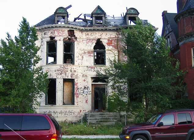 detroit-blight-house-CC-Brimley
