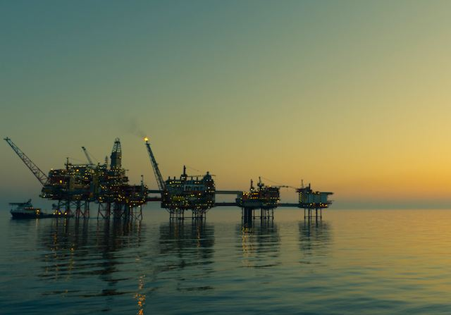 offshore-oil-rig-CC-flickr-eric_aa