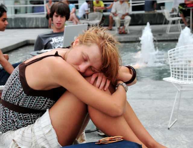 teen sleeping-CC-Ed Yourdon-640px