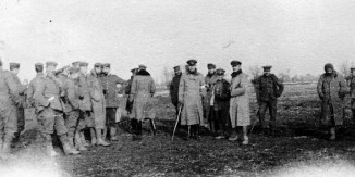 Christmas_Truce_1914-British-War-Collections-publicdomain