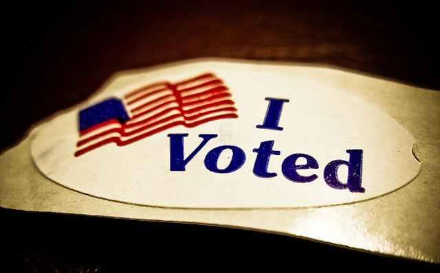 I voted sticker CC Vox Efx-640px