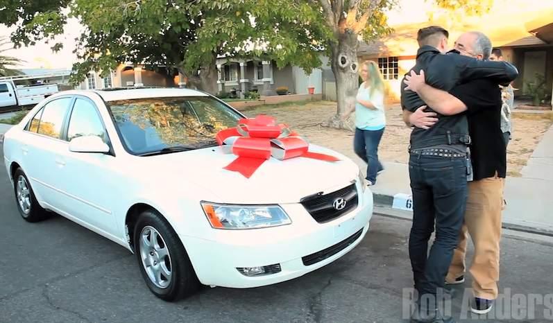 Magician-Rob-Anderson-New-Car-gift-youtubeGrab