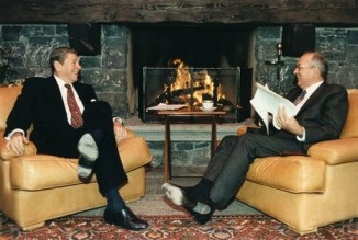 Reagan and Gorbachev relax at geneva summit-Reagan library