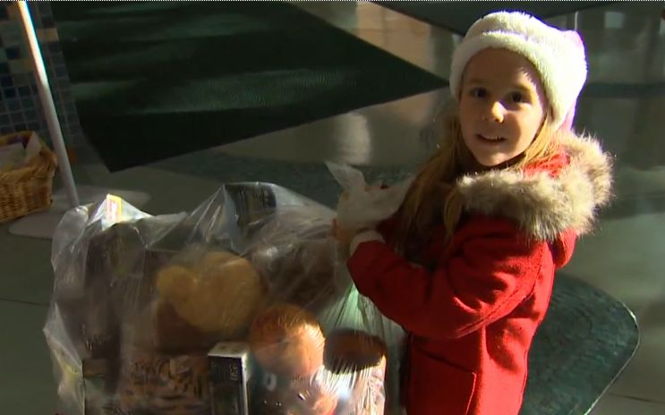 6yo delivers bag of toys-King5vid