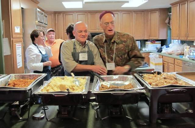 Greensboro-serves-Christmas-meal-for-poor