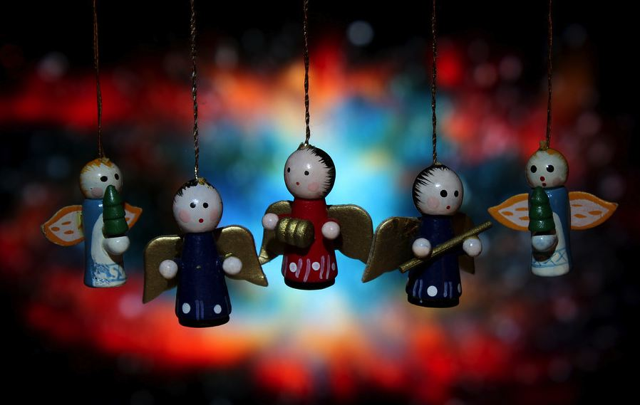 christmas-wooden-angels-CC-danna(curious tangles)