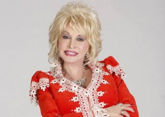 Dolly Parton-dec-2014-Facebook Christmas post