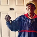 HOMELESS-VET-gets-apt key-courtesy-UNITY of Greater NewOrleans