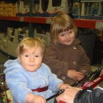 shopping with kids-AmberStrocel-CC