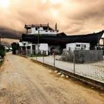 Aceh-boat-on-roof-iloveacehDOTblogDOTcom