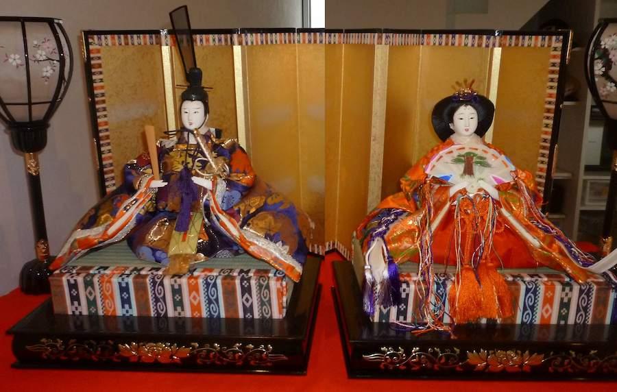 Hina-Japanese-Dolls-Emperor-Empress-CC-Nesnad