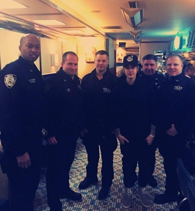 Justin-Bieber-with-cops-JBphotoOnShots