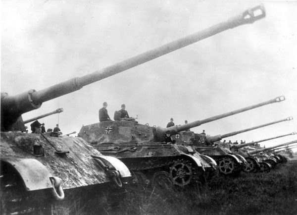 tiger-tanks-WW!!-wikipedia-CC