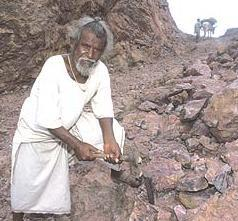 Dashrath Manjhi-Indias mountainman