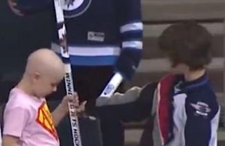 boy-gives-up-hockey-stick-to-sick-girl-JetsTVvid