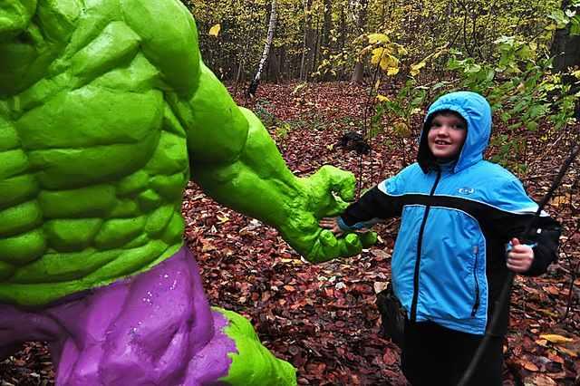 hulk-holds-childs-hand-CC-Niels_Linneberg-640px