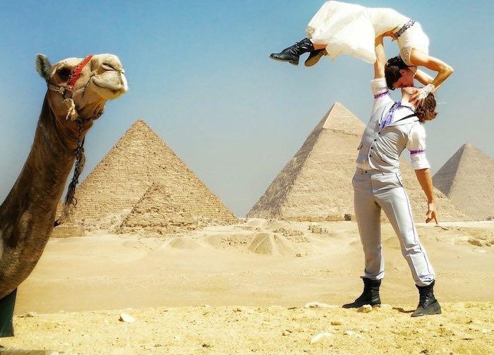 Acrobat_Couple_Married_Egypt_CheetahPlattandRhiannWoodyard-familyphoto