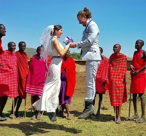 Acrobat_Couple_Married_africa_CheetahPlattandRhiannWoodyard-familyphoto