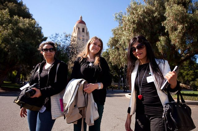 Stanford-students-on-campus-CC-TheBushCenter