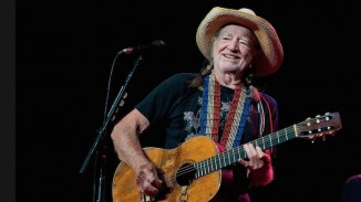 Willie Nelson-750px-FB