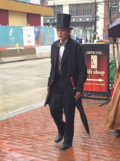 lincoln-reenactor-fords theater