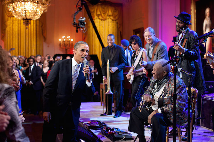 Barack_Obama_B-B-King-2012-White-House-Photo