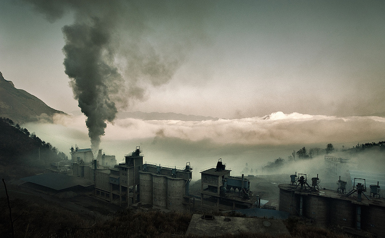 China-Smokestsck-PhotoCredit-Jonathan Kos-Read
