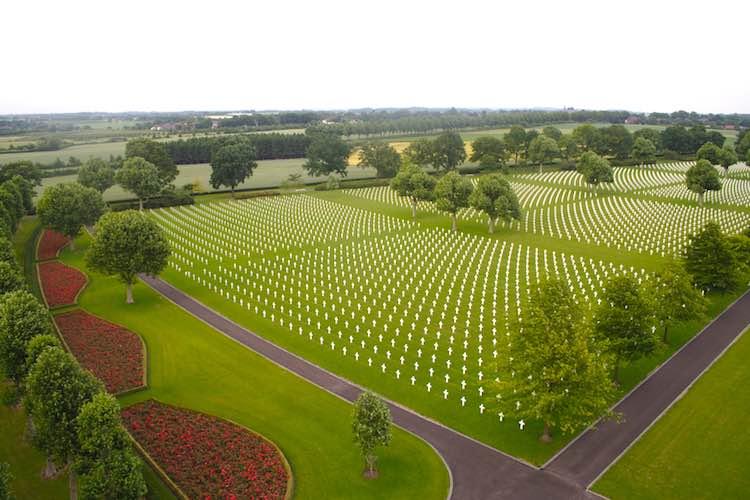 Netherlands-American-Cemetery-aerial-photoby-AMBC-GOV-publicdomain