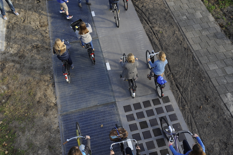 Solar-bike-path-PhotoCredit-SolaRoad