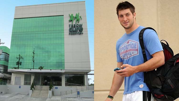 Philadelphia-Eagles-QB-Tebow-Hospital-Photo-Credit-Tebow-Foundation-Photo-Credit-sportiqe-CC