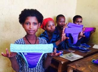 african-girl-with-begirl-pantypads