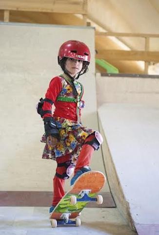 skate-board-skateistan-girl