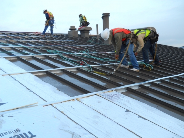 [86364] MCA-DoD-RoofInstallation.JPG_low