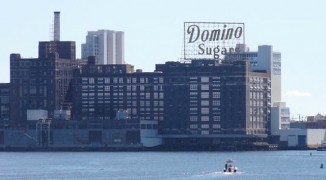 Domino_Sugars_plant_building,_Baltimore_Maryland-Uncommon fritillary-CC