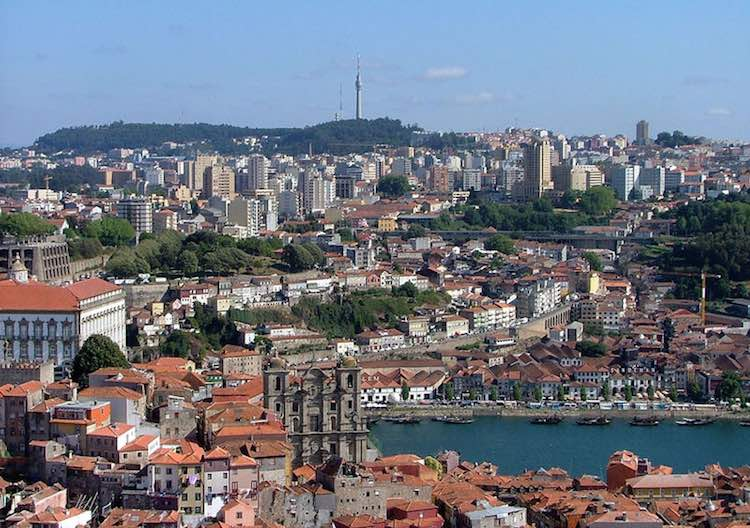 "vila nova de gaia single jewish girls And like me, lianne believed modern orthodox jewish men would be more likely  to  so, if there are more single jewish men (perhaps a surprise to single female  jewish readers who  ""he doesn't do that for just anyone."