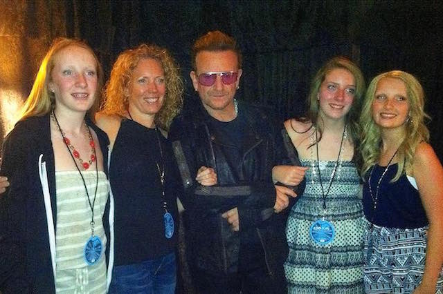 bono-with-fans-crowdrise-submitted-640